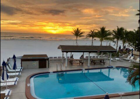 Palm Crest Resort Pool