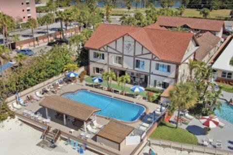 Palm Crest Resort